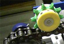 Zębata rolka smarująca do smarowania łańcuchów