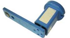 Element kątująco-napinający do mocowania smarowniczych kół i rolek zębatych przy smarowaniu otwartych uzębień i łańcuchów